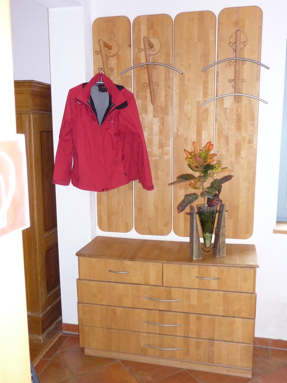 Garderobe aus Erle