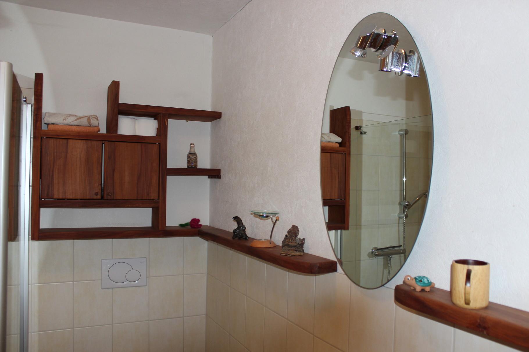 Badezimmerschrank, Birne