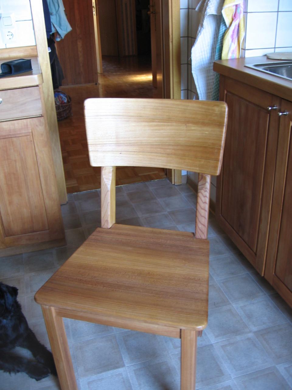 Stuhl aus Ulme