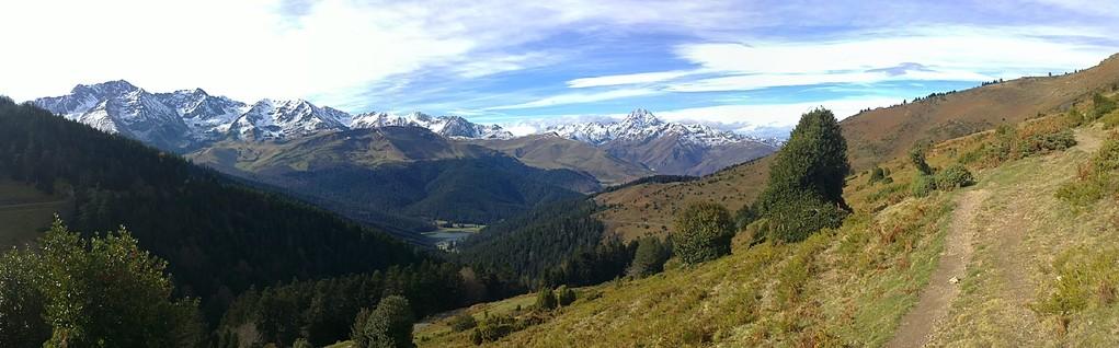 La vallée du Haut Adour vu depuis le col d'Aspin en novembre