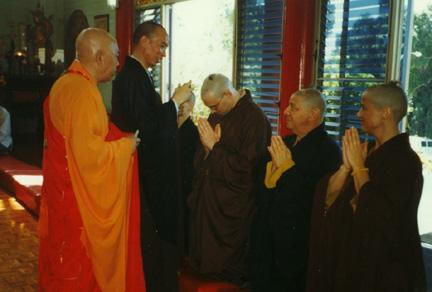 Ordination durch Jy Din Shakya (1997)