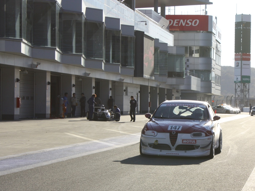 Alfa156GTAレース車両の写真