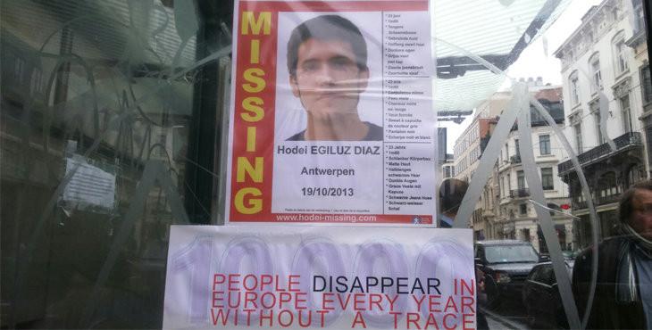Cartel sobre la desaparición de Hodei Egiluz en Bruselas. | Estrella Digital