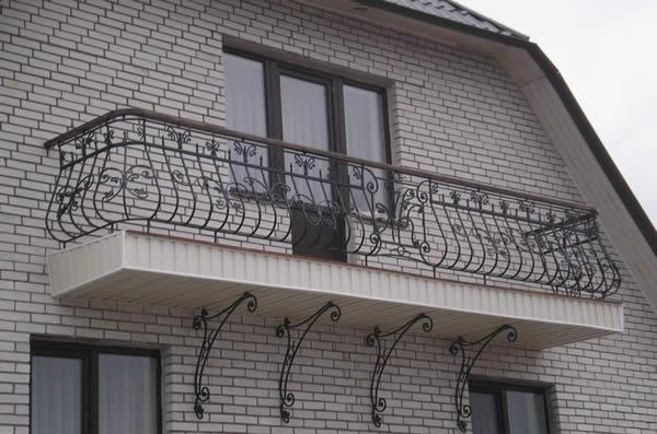 Установка кованых ограждений и балконов
