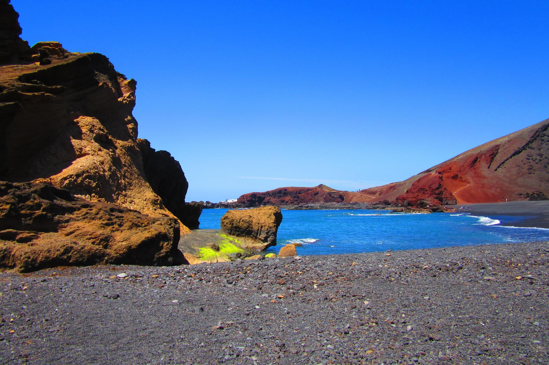 Lanzarote , de la couleur plein les yeux ( Canaries )