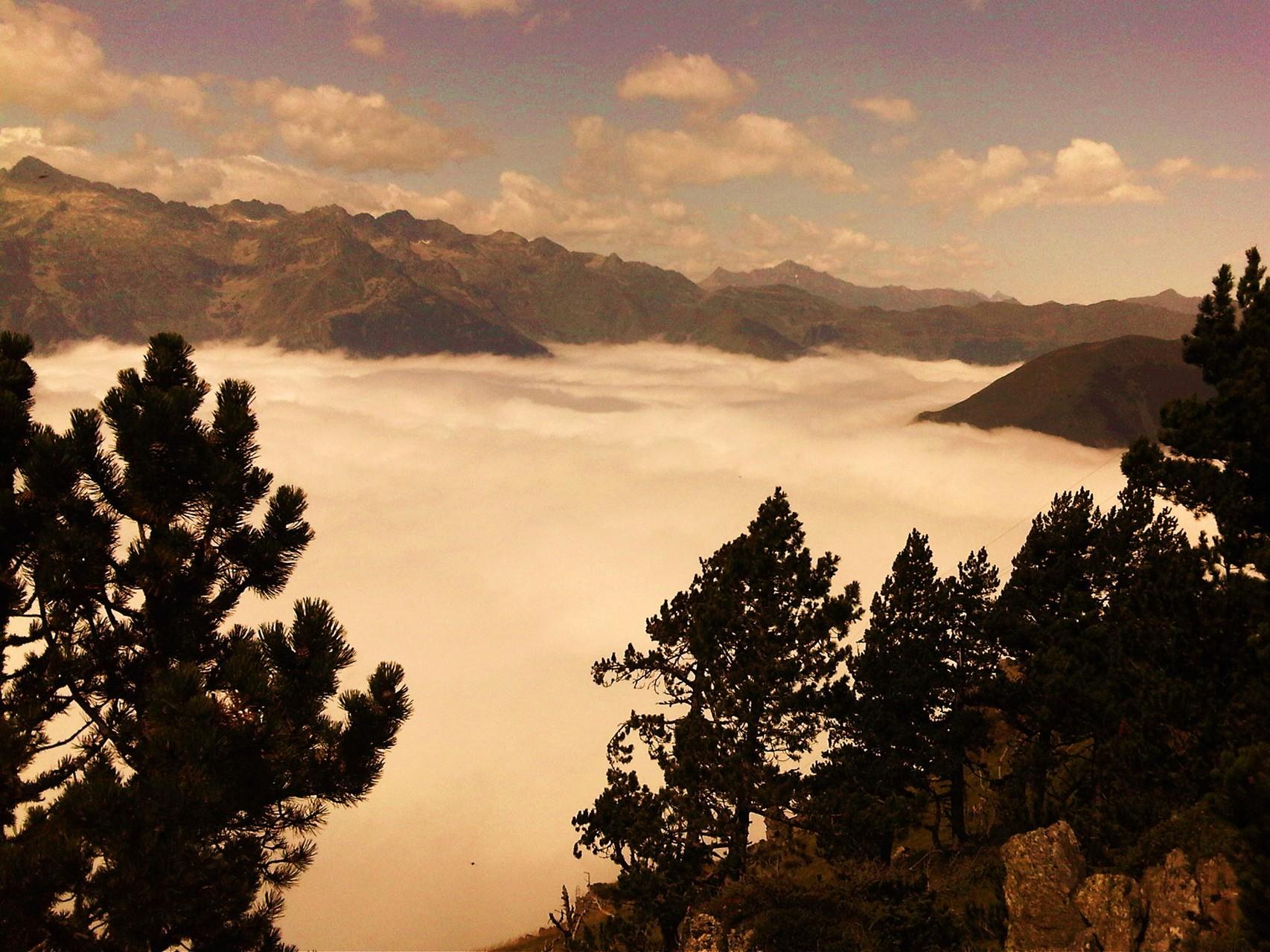 Mer de nuages ( Vallée de Barèges )
