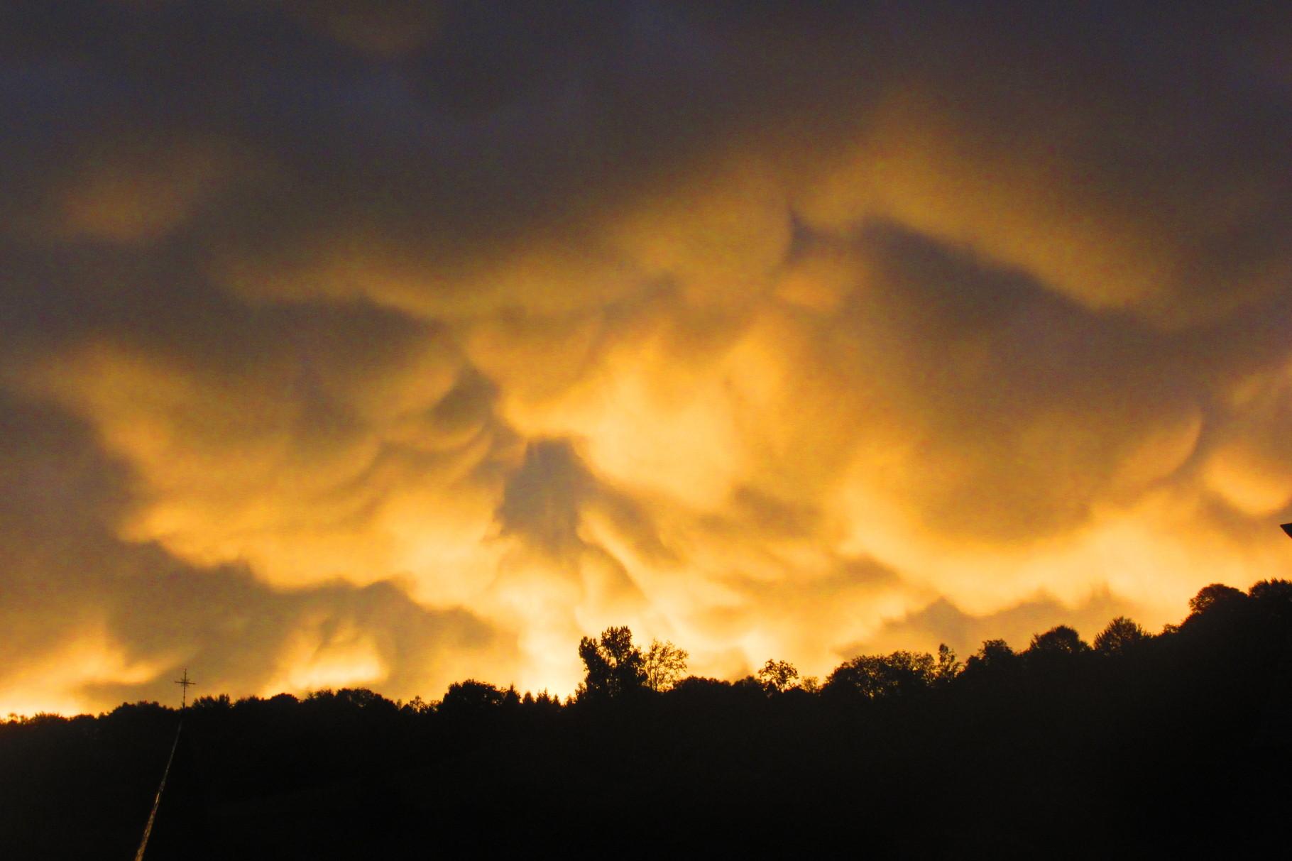 Déferlante de nuages après l'orage