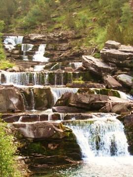 Gave en cascades près de Gavarnie