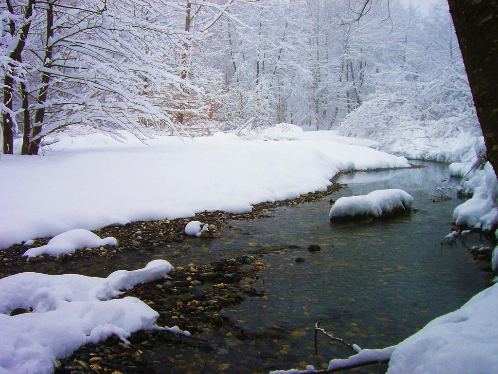 Gave d'Azun en hiver