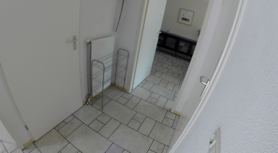 hal met badkamer & WC