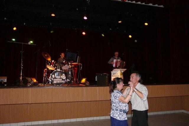 C'est André Rambaud et son chanteur qui ont animé la soirée.