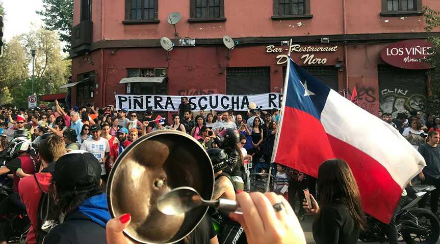 Cacerolazo - Traditioneller Protest mit leeren Töpfen