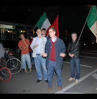 Alberto Codevilla in secona posizione a una manifestazione dell'ANPI.