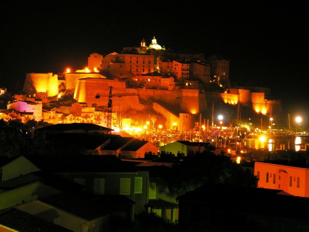 Vue nocturne des hauts de Santore