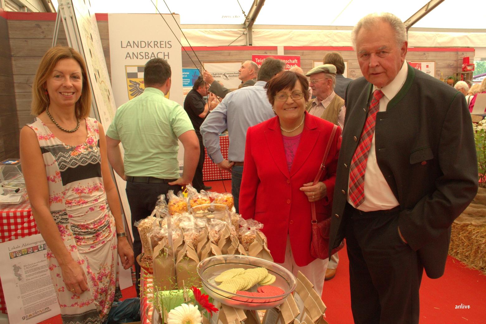 Altlandrat Rudolf Schwemmbauer mit seiner Gattin - immer wieder gern gesehene Gäste !