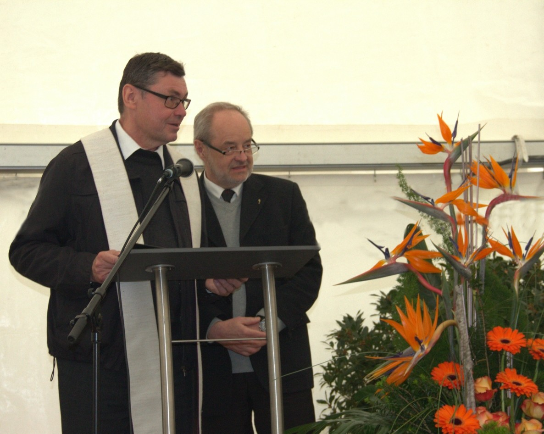 Pfarrer Hans Kern, Dekan Hans Stiegler, beide Ansbach
