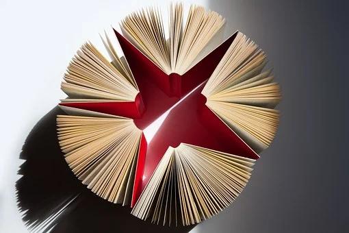 Bücher rot reizvoll