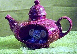 Teekanne mit Maus