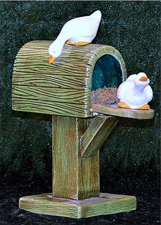 Kleiner Briefkasten mit Gänse