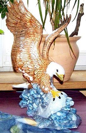 Fischender Adler