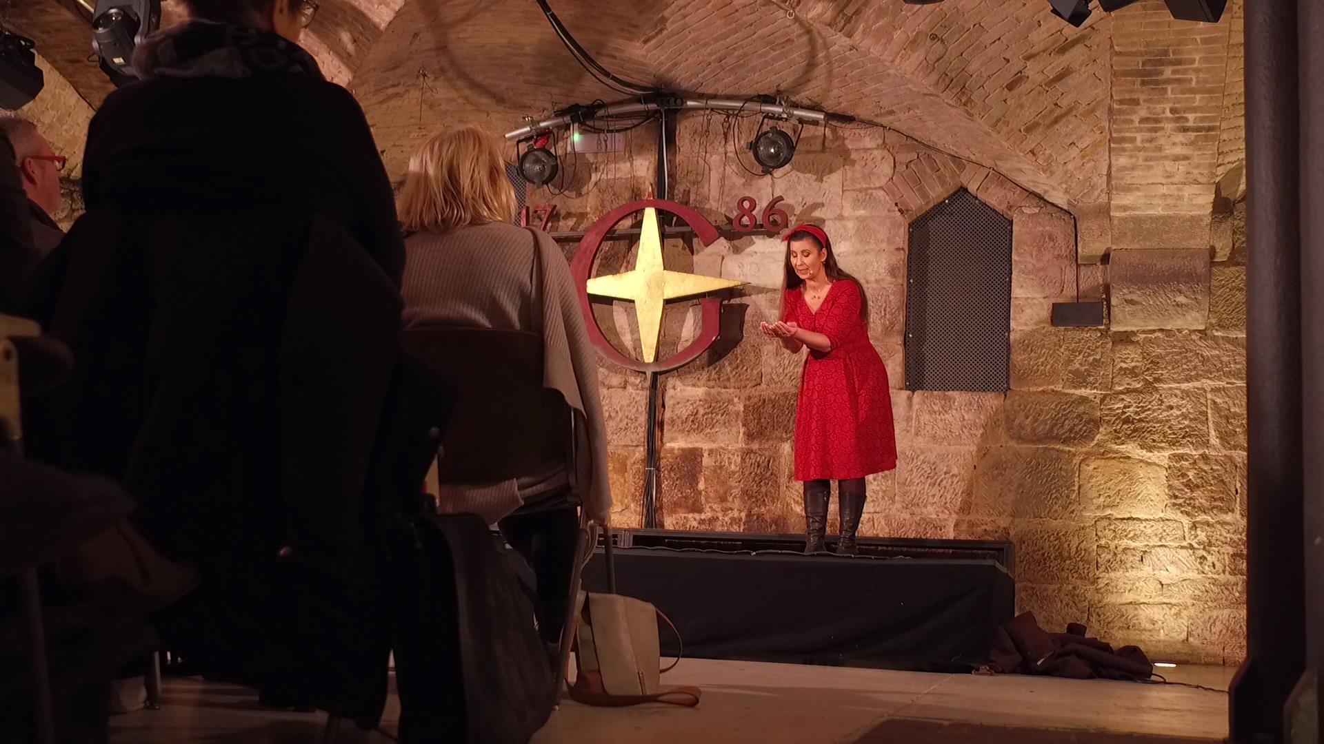 Erzählkünstlerin und zertifizierte Märchenerzählerin Kirsten Stein - Erzählkunst aus Nordhessen