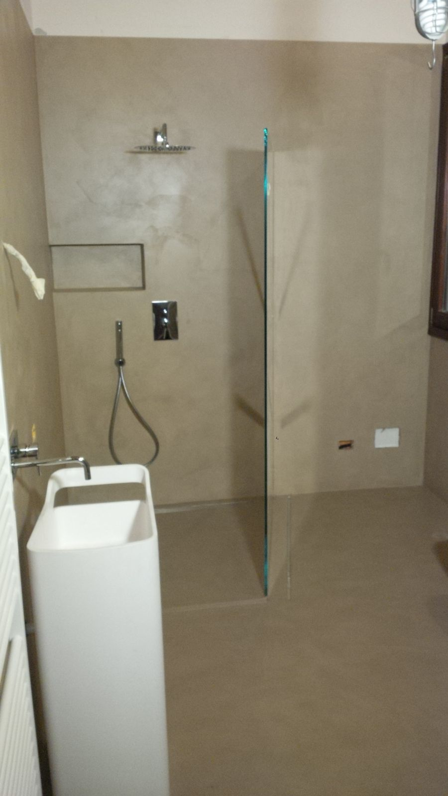 Rivestimenti per bagno e doccia emilresina pavimenti e - Rivestimenti bagno resina ...