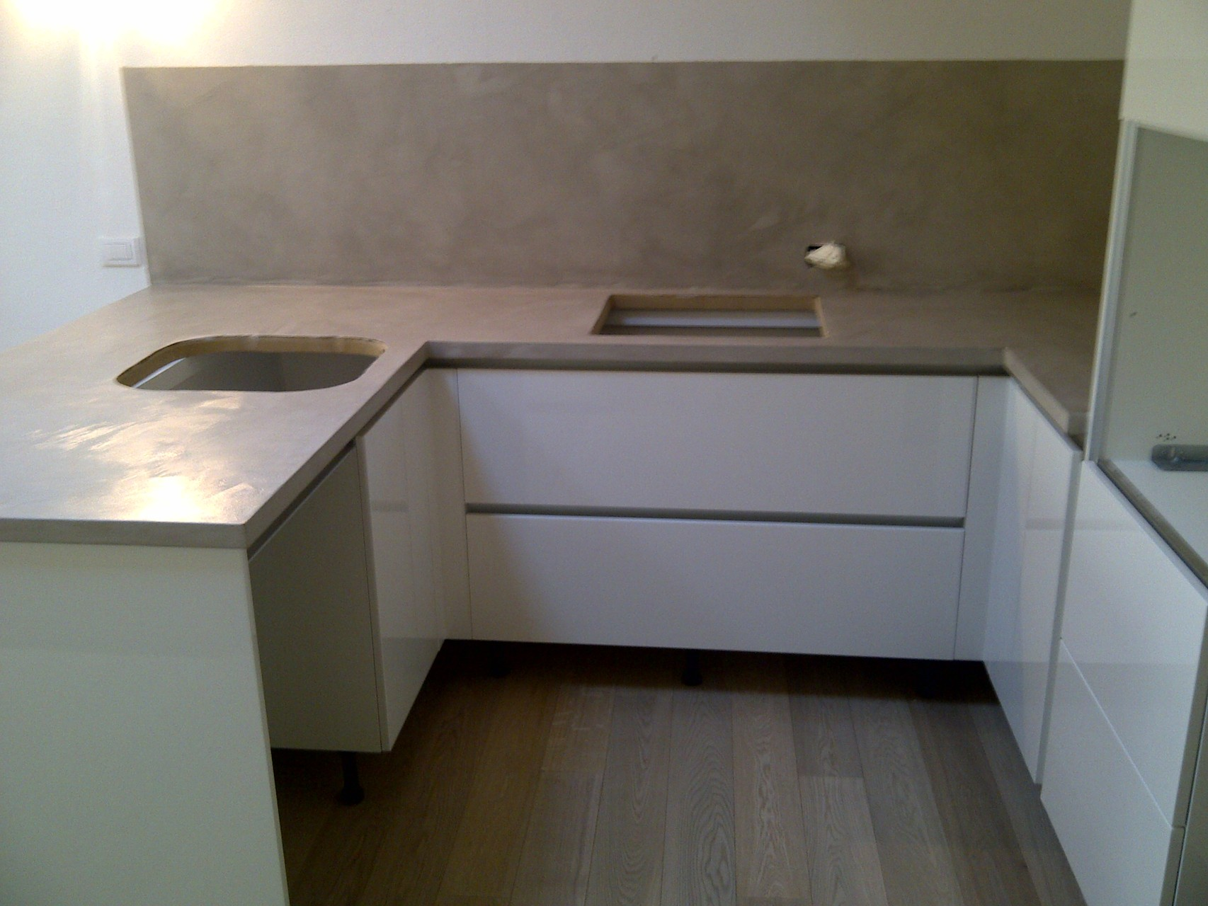 Rivestimenti per la cucina emilresina pavimenti e - Rivestimenti in resina per cucina ...
