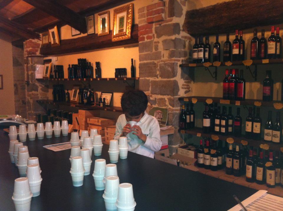Matia Franci, der jüngste Spross des meist ausgezeichneten Olivenöl Produzenten der Welt, Giorgio Franci