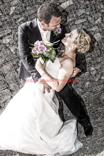 die Braut in seinen Armen