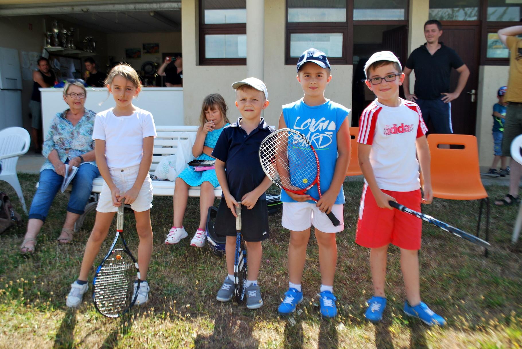 Les 8 ans : de g. à droite : Nina, Thomas, Lucas, Martin