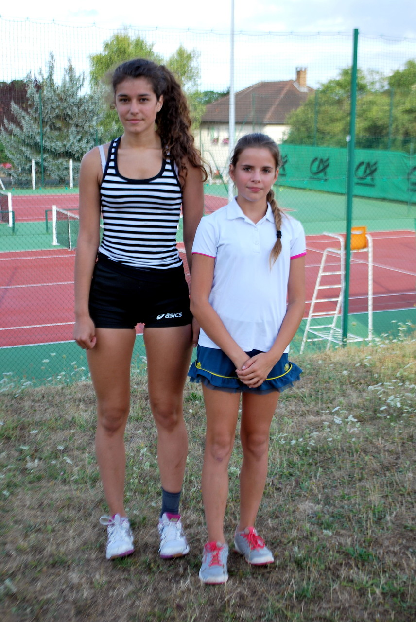 Elsa BLANC, made in Bouilly, et Emma MOTTE, TC Barsequanais, 13/14 ans