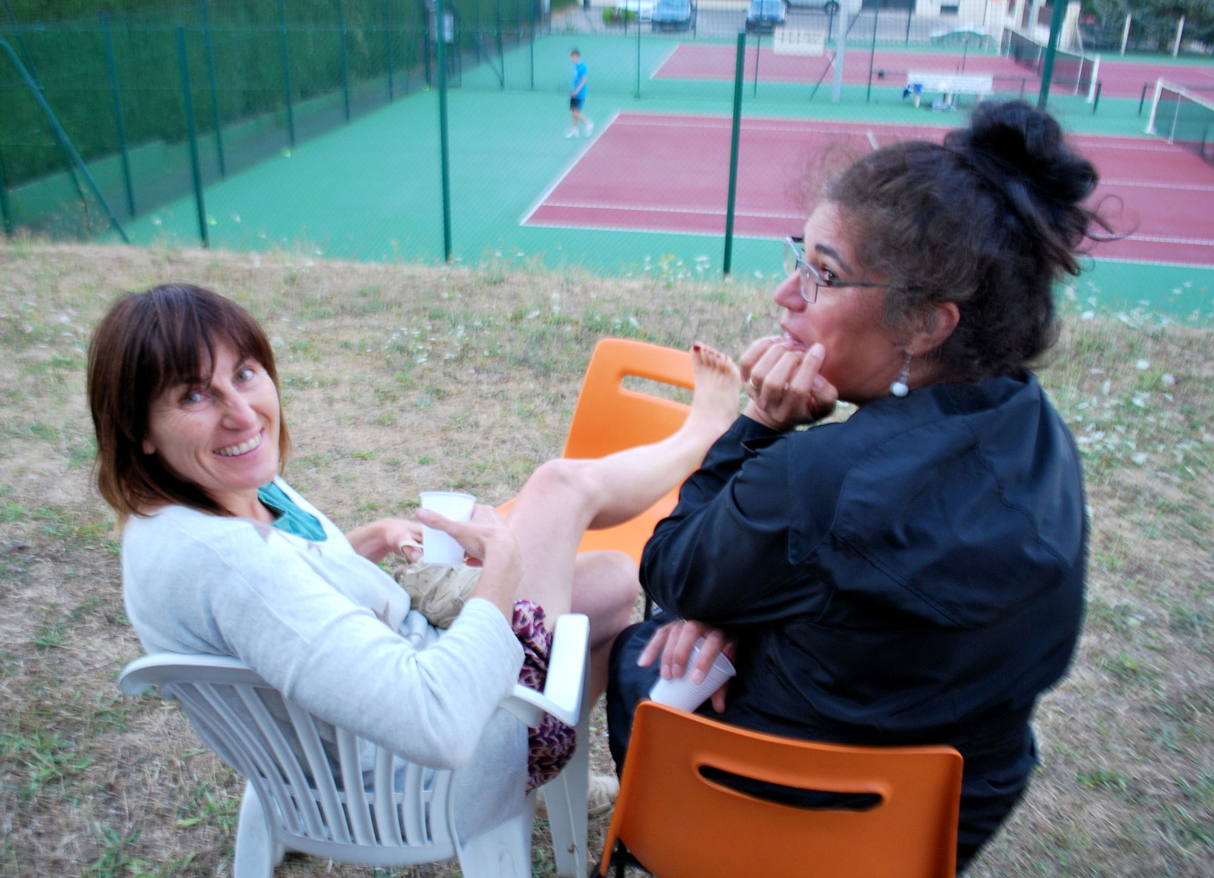 Agnès et Fernanda, made in Bouilly, supportrices éblouies...