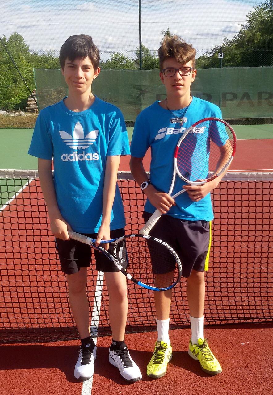 Antonin GRISEZ, finaliste en 15/16 ans, et Enzo SPATARO, TC Chatillon, vainqueur