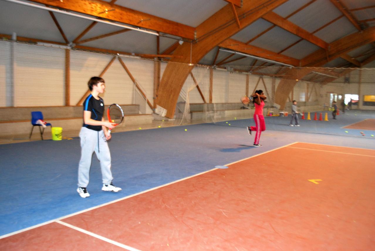Coach Théo et coach Patience profitent de la pause pour s'entraîner...
