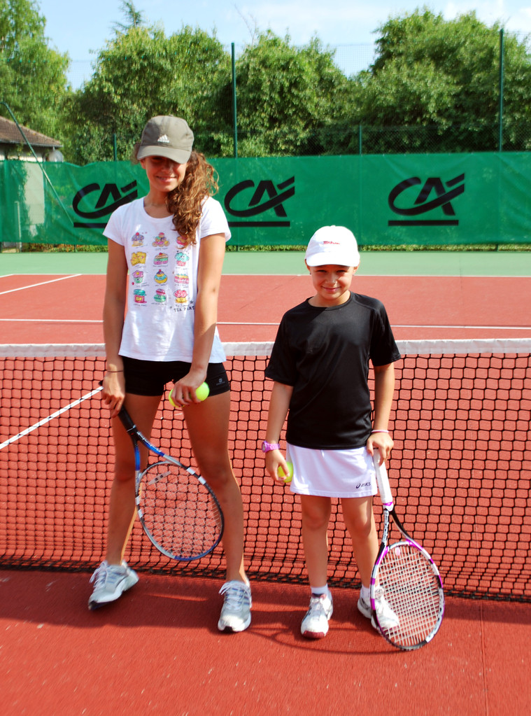 Elsa BLANC, plus grande joueuse du tournoi contre Atalia GAUDICHON, plus petite... pour l'instant...