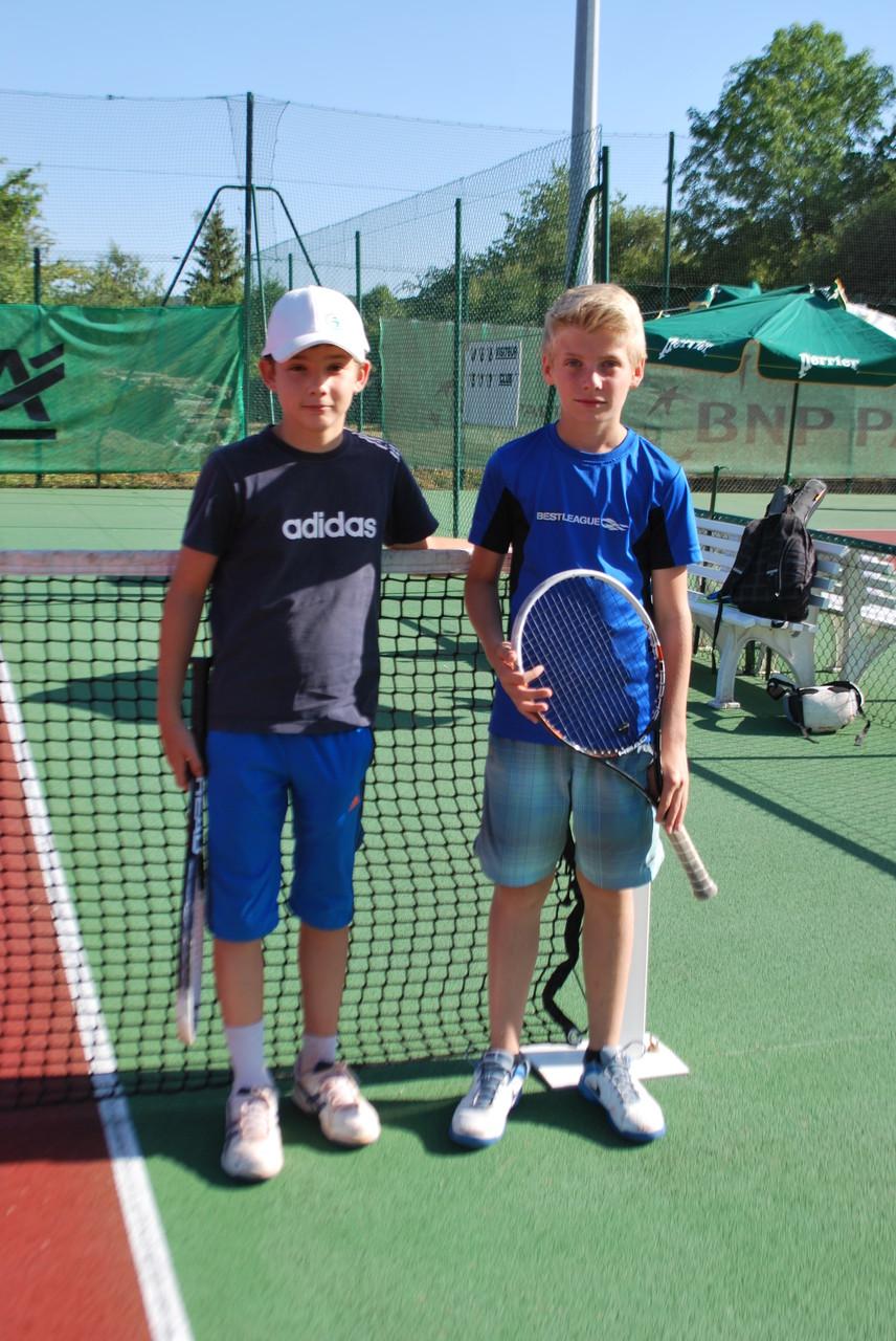 Louis GALIPIENZO, TC Pontois, et Lucien BATKOWSKI, TC Barsequanais, 13/14 ans