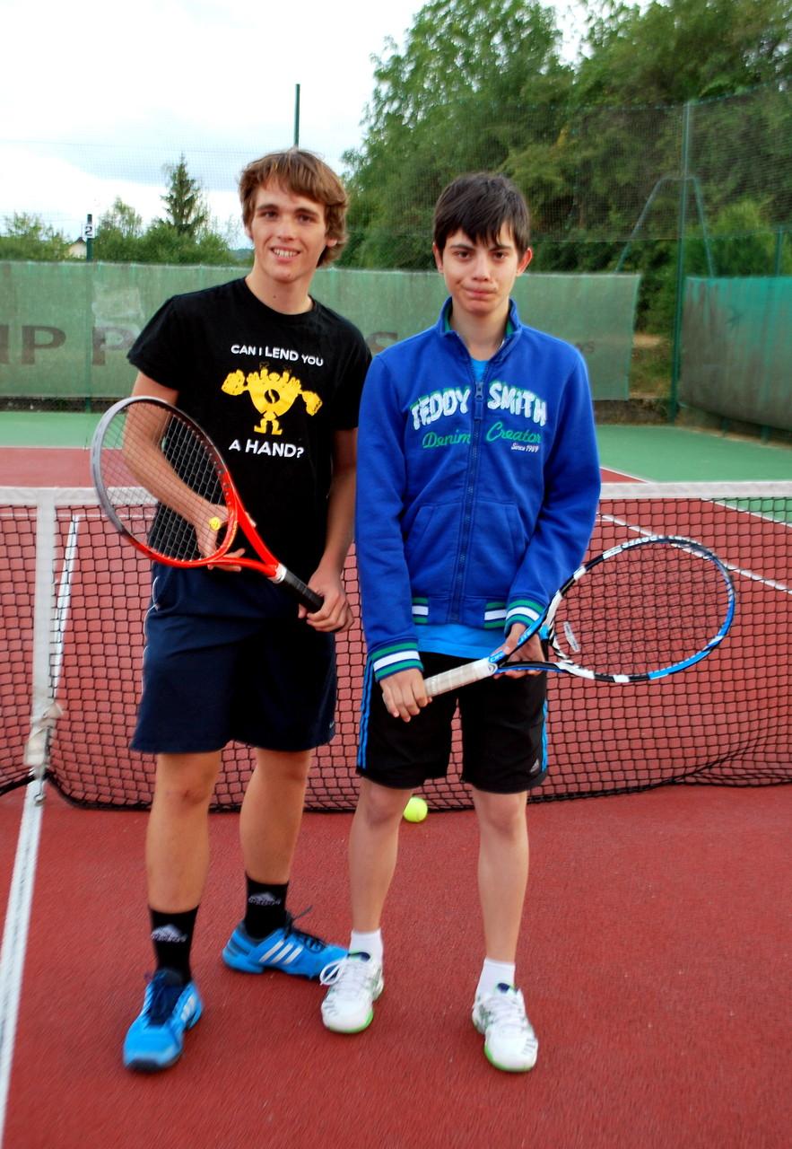 Theo LESEUR, made in Bouilly, finaliste en 17/18 ans et Antonin GRISEZ, TC Creney, finaliste