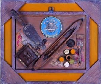 """Popov, Victor, """"Auf dem Tisch"""", Holz, Metall, Pappe & Wach, 50 x 60 cm, 1999"""