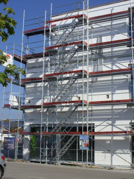 Außenliegender Treppenturm Gewerbe-Projekt in Haslach