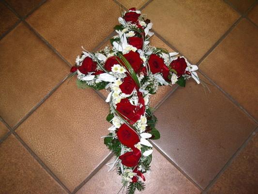 Trauer Kreuz Rosen