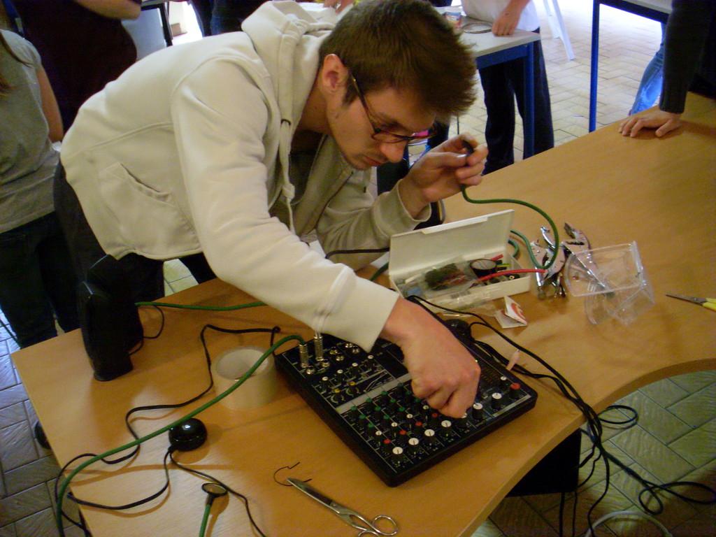CM2 Ecole Moulin à Vent, Montfort-sur-Meu - atelier sonore avec Rémi dal Negro