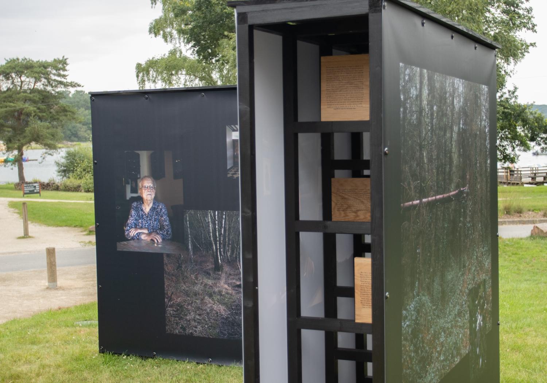 """Vue de l'exposition """"Alors que la nuit tombe"""". Photo : office de tourisme Lac de Trémelin"""