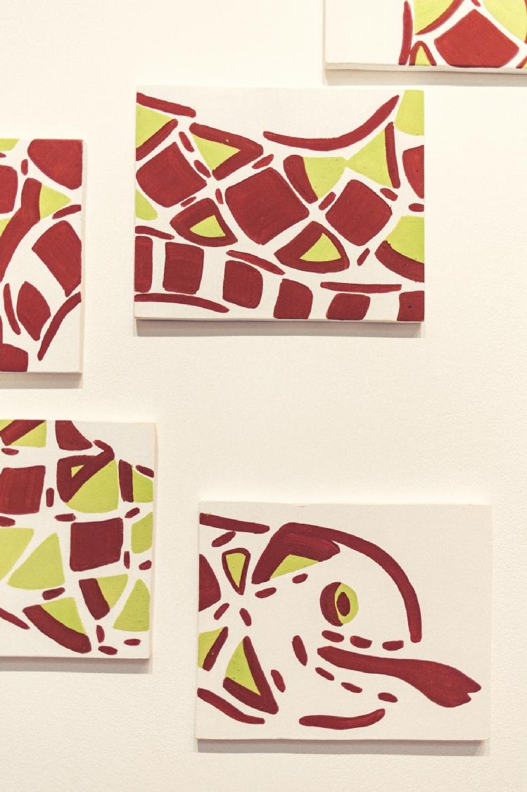 Le serpent ou le renouveau (détail), peinture naturelle sur bois, 15 panneaux 25 x 20 cm. Photo : Simon Détraz