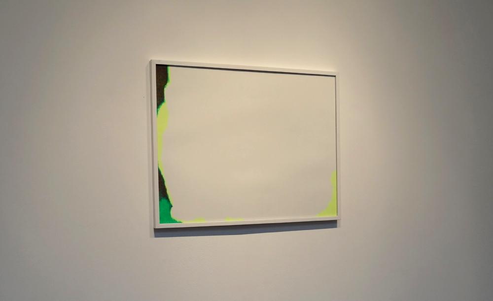 Nikolas Fouré, Lumen, 2014. Marqueur fluo sur papier Montval 250g. Encadrement blanc et verre. 65 x 50 cm. Photo : L'aparté.