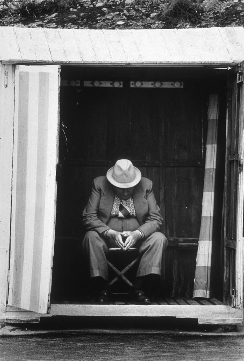 Médiathèque de Montfort-sur-Meu : la paresse. Oeuvre : Jacques Faujour, Plage du Gousset, 1980, Collection Frac Bretagne © ADAGP, Paris 2015. Crédit photo : Jacques Faujour.