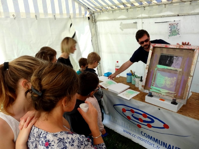 Stand Montfort Communauté au festival Pré en Bulles