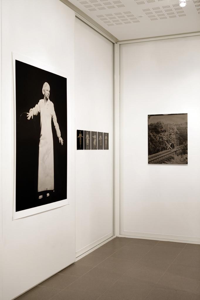 """Vue de l'exposition """"Territoires d'expériences"""" à L'aparté. Photo : Hervé Beurel."""