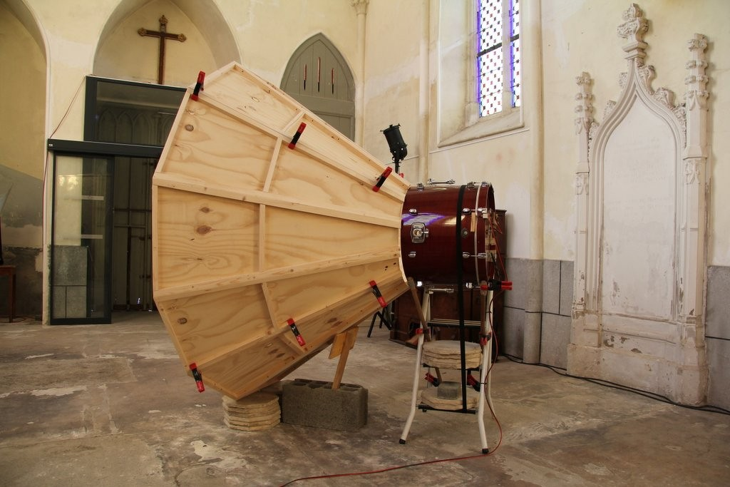 Peter Flemming, Instrumentation, chapelle Saint-Joseph, Montfort-sur-Meu, 2013. Photo : Swintak