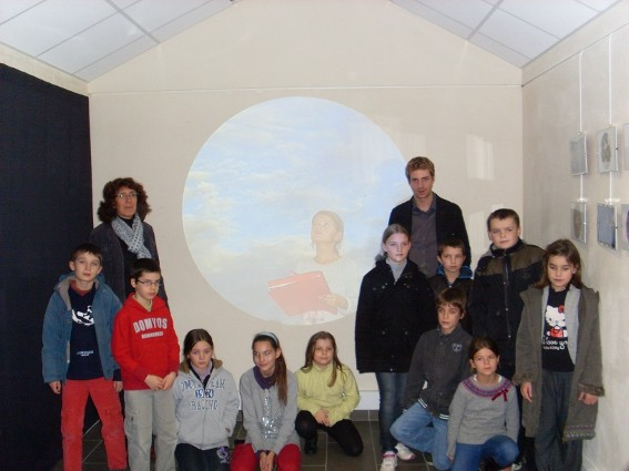 Le vernissage des travaux des élèves de la classe de Mme Abélard - 12 novembre 2012 - bibliothèque La Parchemine