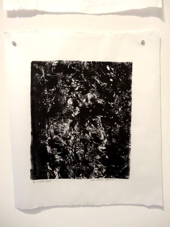 """Vue de l'exposition Cécile White, Empreinte carbone. """"Radiographies de mes voisins"""", détail, 4 monotypes acryliques sur papier de lune, 46x53 cm pièce, 2015."""